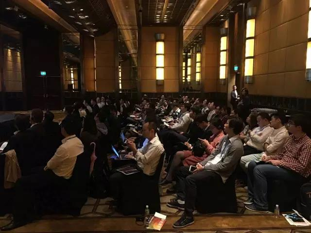 2016.10.20中慧言翻译为上海彭博会议提供全程同传服务